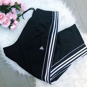ADIDAS SIDE STRIPE SWEATPANTS / WINDBREAKERS
